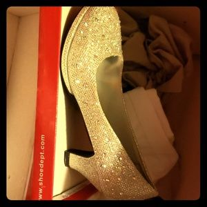 Girls sz 3 pageant shoes